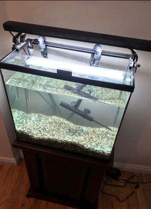 Fish Tank for Sale-Tall 18 Gallon (Complete Set) for Sale in Long Beach, CA