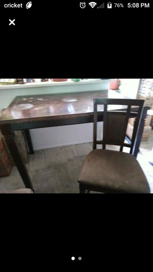 Kitchen table with 7 chairs and tuck away leaf for Sale in West Jordan, UT