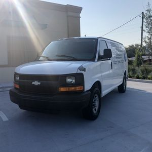 2008 Chevy Express 2500 for Sale in Saint Petersburg, FL