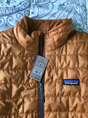 Patagonia Medium Nano Puff Hammonds Gold Jacket New with tags for Sale in Lawndale, CA