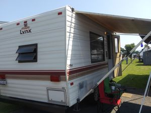 Prowler lynx camper for Sale in Thornton, WV