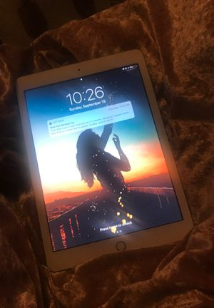 Ipad 9.7 inch for Sale in Dearborn, MI