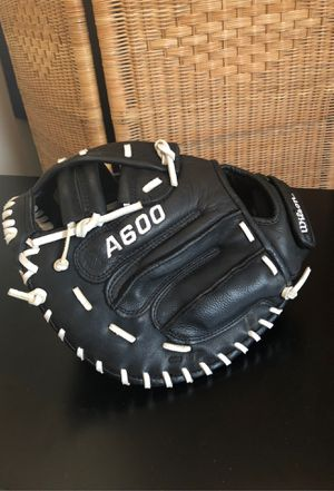 Wilson A600 Men's Fast Pitch Catchers Mitt for Sale in Willow Grove, PA