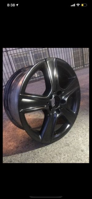 Right front rims 2011 Mercedes C300 for Sale in Queens, NY