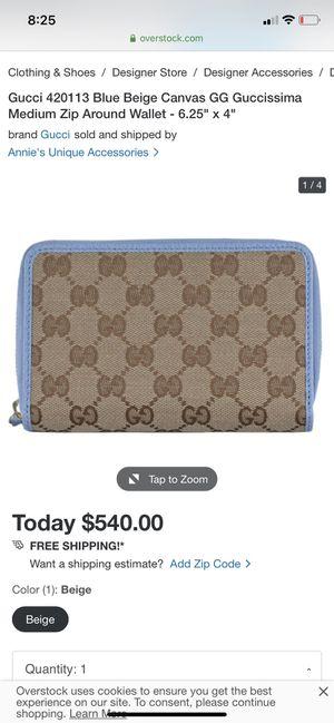 Light blue Gucci zip wallet for Sale in Auburn, WA