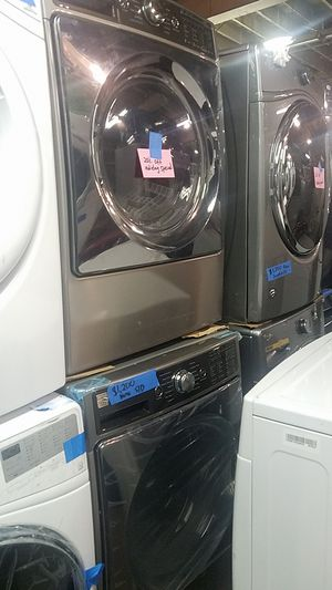 Kenmore elite washer and dryer set brand new scratch and dent for Sale in Baltimore, MD