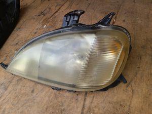 Mercedes ml left side headlight for Sale in Renton, WA