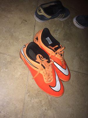 Nike soccer cleats size 9 for Sale in Buckeye, AZ