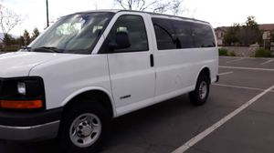 2004 chevy express 2500 for Sale in Corona, CA