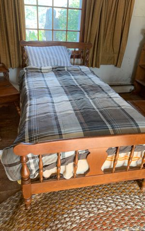 Ethan Allen Maple twin bed frame headboard and footboard for Sale in Amesbury, MA