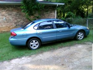 2006 Ford Taurus SE for Sale in Stone Mountain, GA