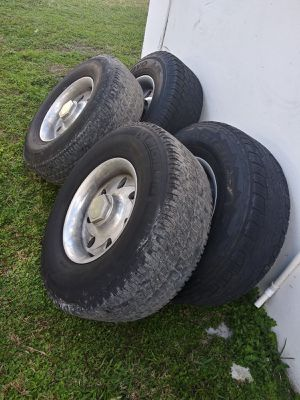 Rims and tires Toyota 4runer for Sale in Miami, FL