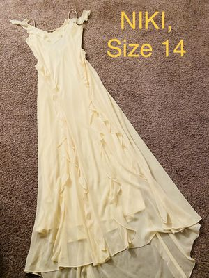 NIKI, Yellow Mermaid Chiffon Dress, Size 14 for Sale in Phoenix, AZ