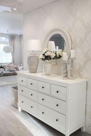 White ikea hemnes dresser for Sale in Belle Isle, FL