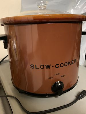 Slow cooker Crock pot 🥘 🥘 for Sale in Fowler, CA