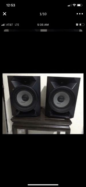 """Set of 2 Sony speakers ss-ec719ip Unchecked by me 12""""H x 9""""W x 7""""D $30 for Sale in Pembroke Pines, FL"""