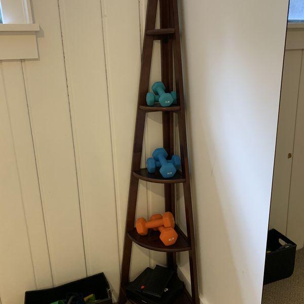 Corner Bookshelf - Sturdy.