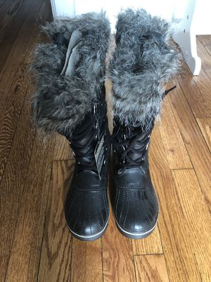 Sorel brand new snow boots size 7 for Sale in Thompson's Station, TN