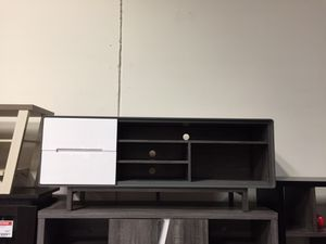 Tv Stand, Distressed Grey & White for Sale in Santa Fe Springs, CA