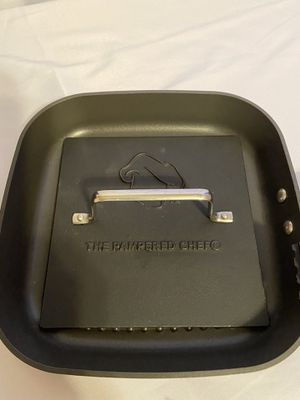 Pampered chef square frying pan griddle with cast-iron grill press for Sale in Camden, NC