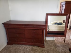 7 piece solid wood bedroom set for Sale in Tacoma, WA
