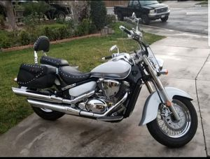 2013 Suzuki Boulevard Motorcycle 800 cc for Sale in Moreno Valley, CA