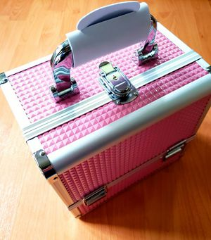 Makeup Storage Organizer Box Durable PU & Aluminum Frame with 3 Trays, Mirror, Brush Holder and Key Lock - Pink for Sale in Arlington, TX