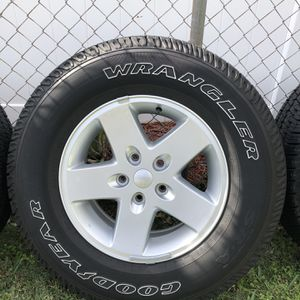 Jeep Wrangler Wheels And Tires for Sale in Miami, FL