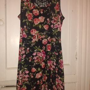Very Cute Flowered Dress for Sale in Baltimore, MD