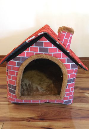 Medium sized dog house/bed for Sale in Miami, FL