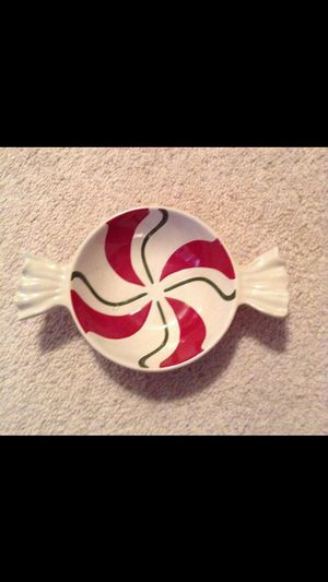 Longaberger candy swirl Christmas plate for Sale in Strongsville, OH