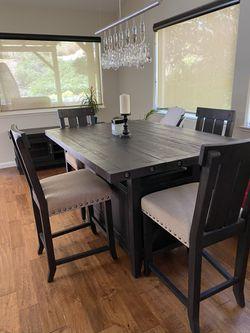 JAXON dining table for Sale in Benicia,  CA