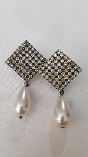 Beautiful Vintage diamond shape Rhinestone teardrop Faux Pearl Stud Earrings, Silver tone. for Sale in Tulsa, OK