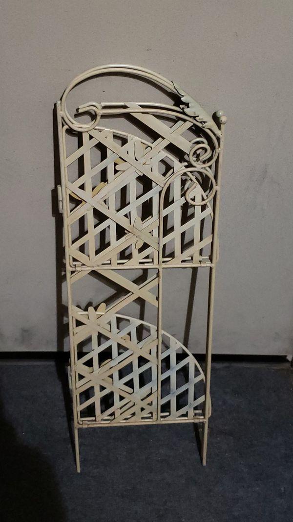 Small folding corner shelf