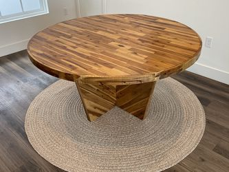 West Elm Alexa Round Dining Table for Sale in Santa Monica,  CA
