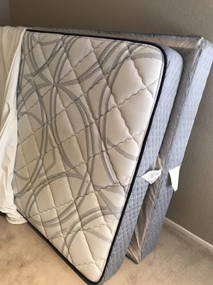 Free Queen Bed and Box Spring for Sale in Aliso Viejo, CA
