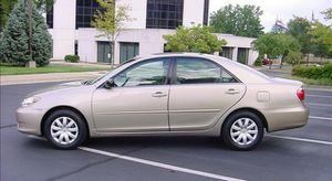 Very good 2005 Toyota Camry LE FWD for Sale in Warren, MI