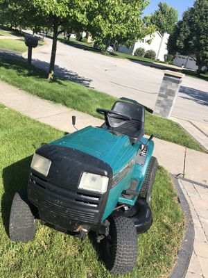 Murray widebody riding lawn mower for Sale in Naperville, IL
