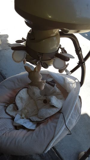 Fisher Price 3 speed baby swing for Sale in Yorba Linda, CA