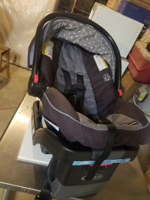 Graco car seat and stroller for Sale in Menifee, CA