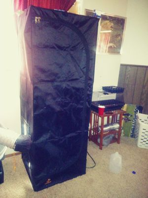 Jardin grow tent and Kind LED grow light for Sale in Rancho Cucamonga, CA