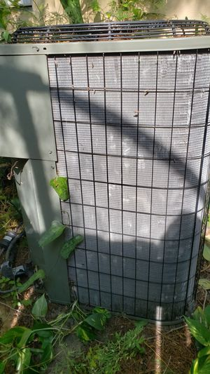 3 ton r22 ac air conditioner condenser still hooked up for Sale in Fort Lauderdale, FL
