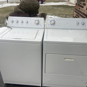 Whirlpool Washer And Gas Dryer Set for Sale in Oak Forest, IL