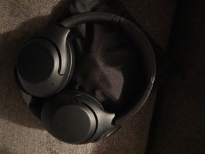 Sony Noise Cancelling Headphones WHXB900N/B for Sale in Bowie, MD