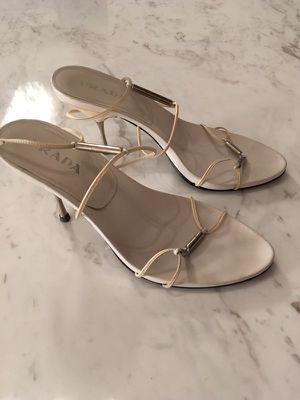 Prada white heels size 8 for Sale in Miami, FL