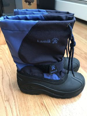Snow boots kids (boys size 1) for Sale in Chicago, IL
