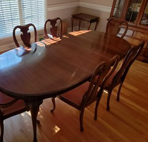 Queen Anne style Thomasville table set for Sale in Canton, OH