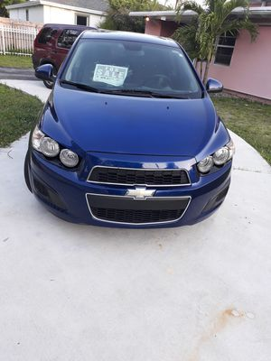 Chevy Sonic hatch bac for Sale in Miami, FL