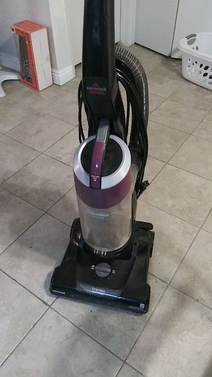 Bissell vacuum for Sale in San Marcos, CA