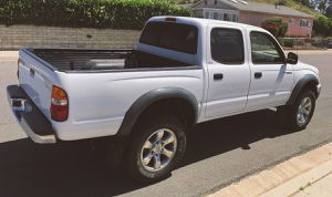 Verry nice seats 2003 Toyota Tacoma Keyless remote for Sale in Grandview Heights, OH